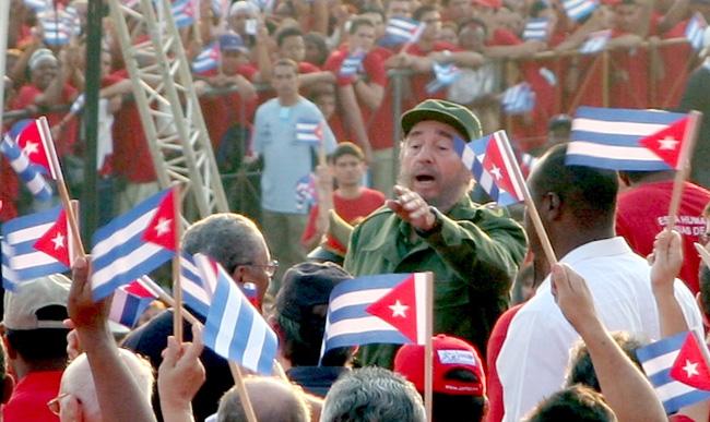 Fidel Castro am 1. Mai 2005 bei einer Kundgebung