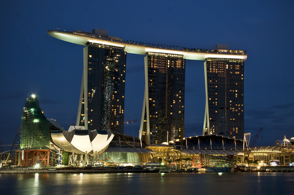 Au ergew hnliche architektur marina bay sands singapur for Marina bay sands swimming pool entrance fee