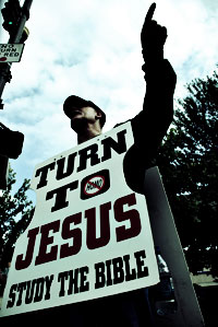 Turn to Jesus - study the Bible! Urheber: Michael Tracey from Ashevillle, NC, USA (Wikipedia)
